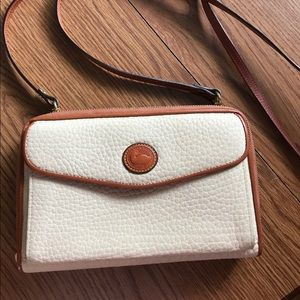 Dooney & Bourke white wallet crossbody pebble